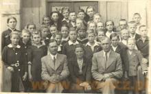 Uczniowie szkoły powszechnej w Chodakowie , lata czterdzieste