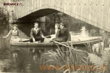 Kto dzisiaj jeszcze pamięta łódki na Utracie w Żelazowej Woli... Lata pięćdziesiąte...